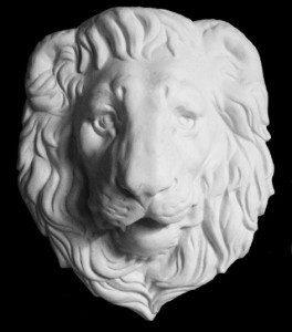 Маска льва гипсовая